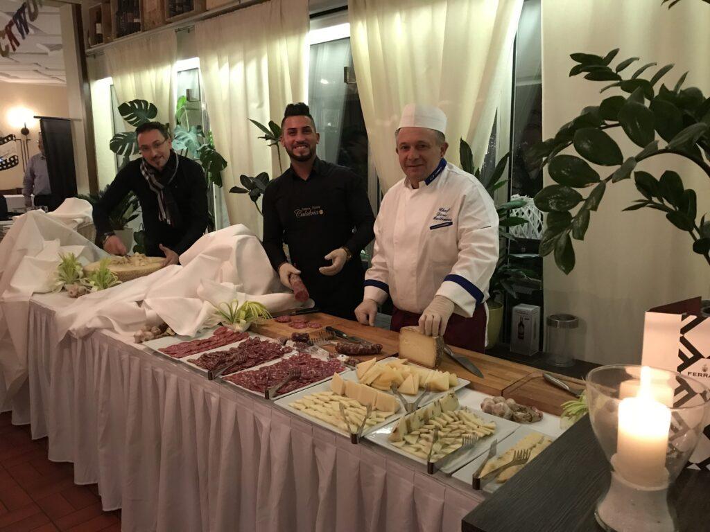 Trattoria Pizzeria Calabria, Buffet mit Koch
